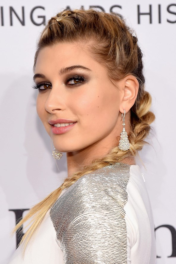 Hailey-Baldwin2_glamour_11feb16_getty_b_592x888